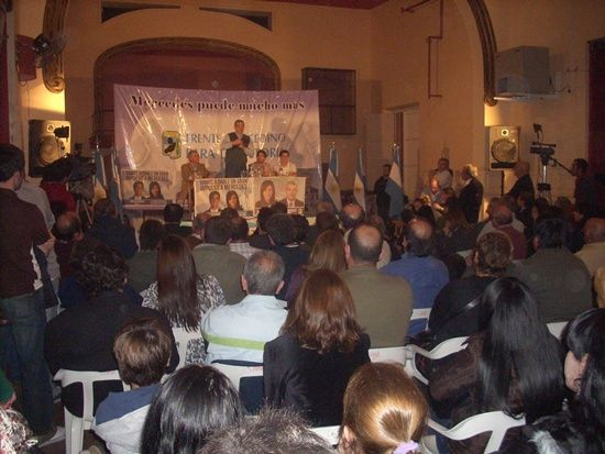 Julián Dominguez - Frente Mercedino para Victoria