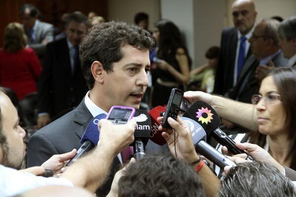 De Pedro destacó la importancia de la ley que retrotrae los tarifazos