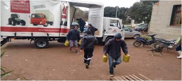 Agrale efectuó donaciones para los más necesitados tras inundación