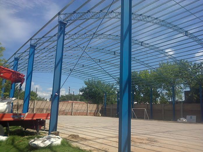 Avanza la construcción del nuevo gimnasio en el CEF N°40