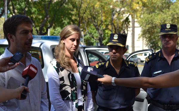 El Intendente entregó nuevo patrullero a la Policía Comunal
