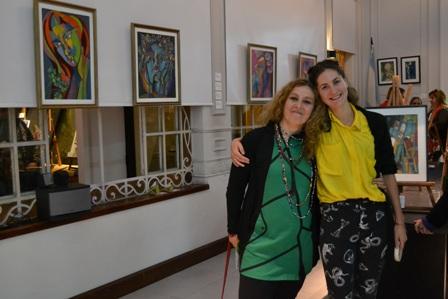 Eugenia Scioli y Anabel Piñeiro se cruzan con los colores