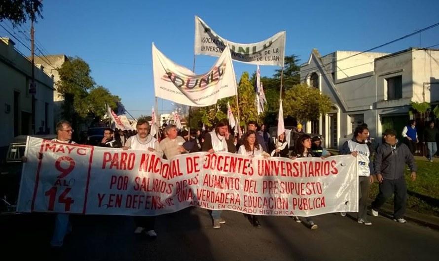 Multitudinaria e histórica movilización por la educación pública en Luján