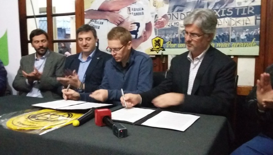 Flandria, sin Maxi Zárate, inició la pretemporada