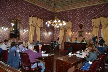 Múltiples proyectos de resolución y ordenanza aprobó el HCD