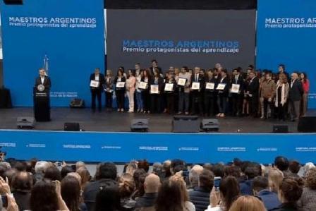 """Ana Darritchon participó de la entrega de premios """"Maestros Argentinos"""""""