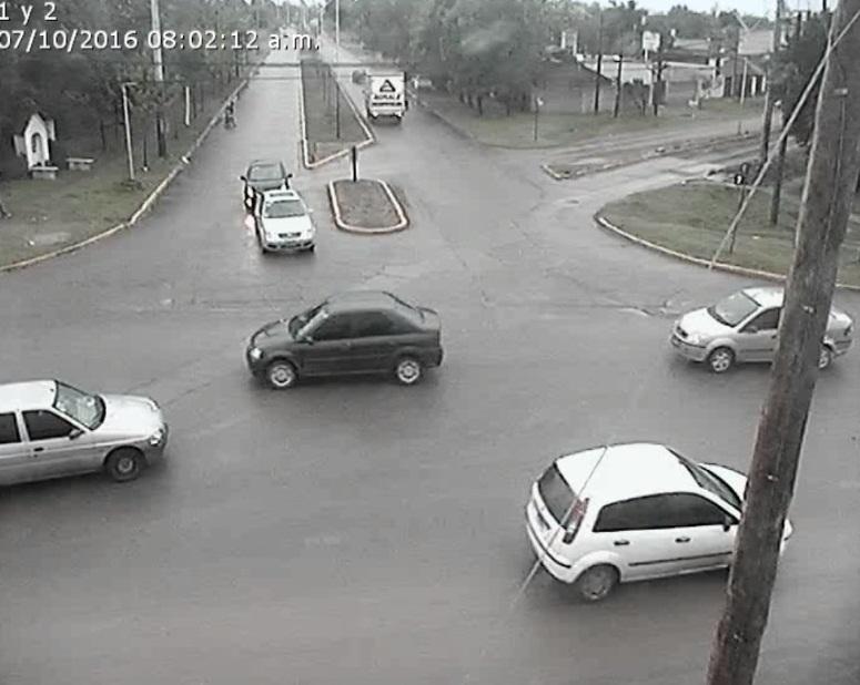 Un robo al voleo de auto puso a la ciudad y la policía en alerta