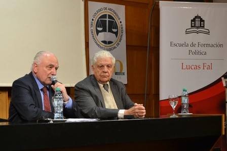 El Dr. Jaunarena disertó sobre el rol de las fuerzas armadas