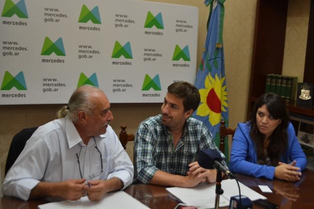 Municipalidad y UNLu firman acuerdo por alimentos, espacios verdes y pasantías