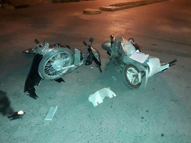 Dos motos colisionaron en 17 y 18