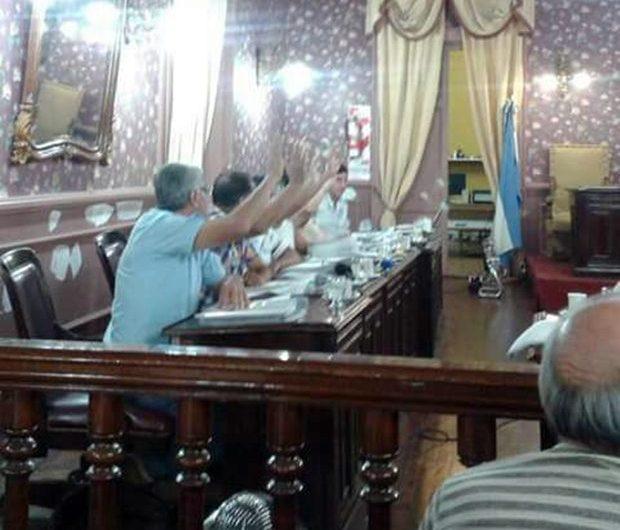 Dematei rechazó nuevamente el aumento de salario que se votó la Frente Cambiemos
