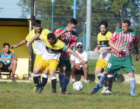 Los rivales zarateños de Comunicaciones se preparan para el debut