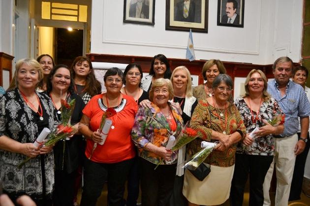 Radicales distinguieron a mujeres recordando a Catalina Caruso de Morra