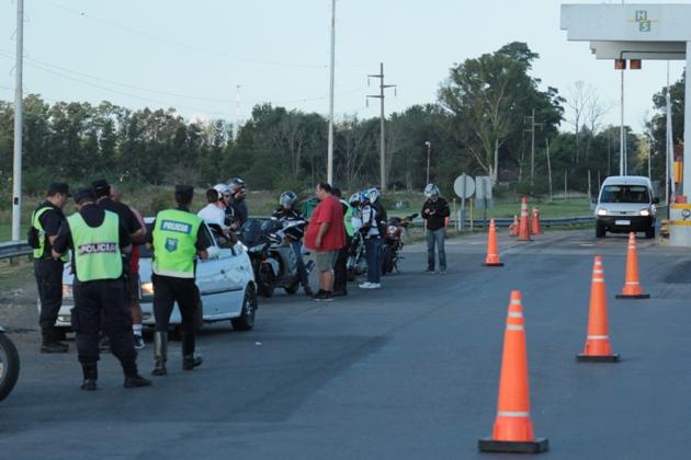 Operativo de seguridad vial con secuestros de motos, autos y recuperaciones