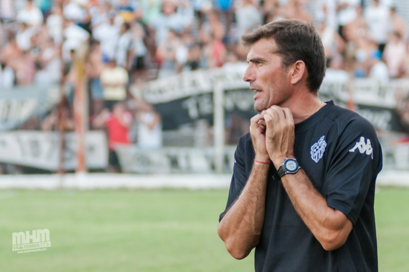 Walter Díaz: «Si siguen con la cabeza como están, hay muchas chances de ganar los dos partidos»