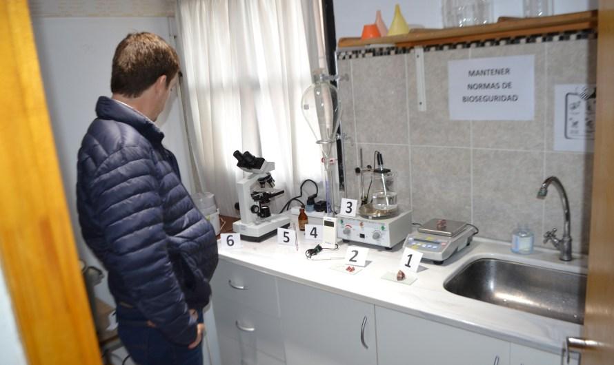 Ustarroz dejó inaugurado primer laboratorio de análisis de triquinosis municipal