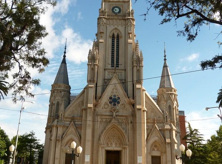 Aprehendidos por daño en Iglesia Catedral