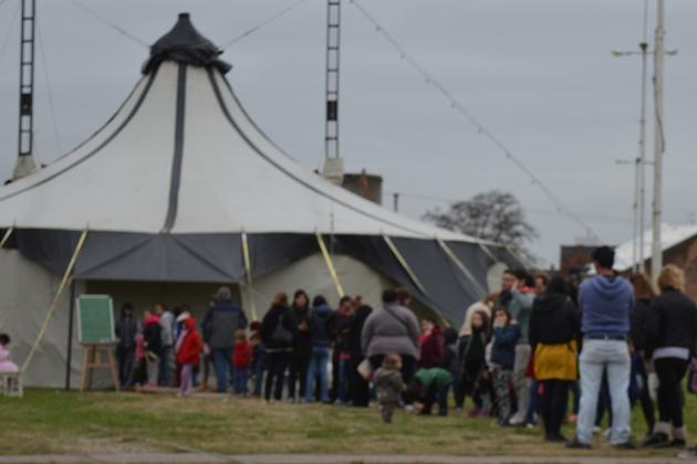 Proyecto Migra, circo gratuito en La Trocha toda la semana