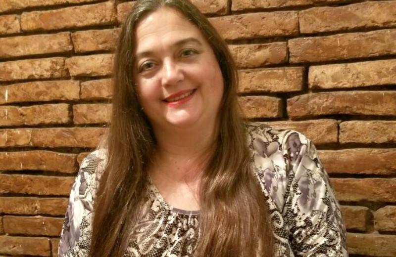 Mónica Brown encabeza una de las listas para dirigir la Biblioteca Sarmiento