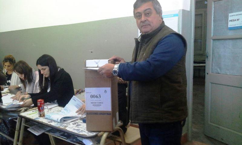 Carlos Selva: «Es una elección importante y hay que participar