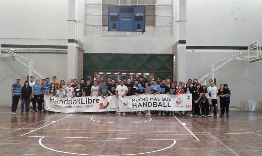 Handball Libre y Libertadores de San Cristobal visitaron al CEF N°40