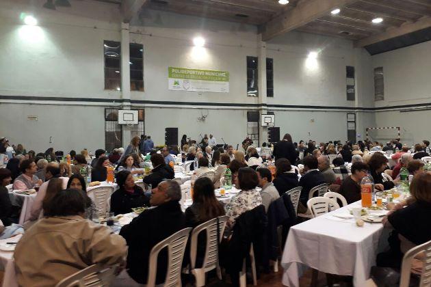 Realizaron cena solidaria a beneficio de la capilla en Barrio San Martín