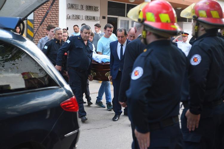 Despidieron los restos del Jefe de Bomberos Roberto Ferrari