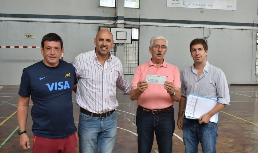 """Fernando Moner """"Quilmes está orgulloso de lo que está haciendo el Municipio con todos los clubes"""""""