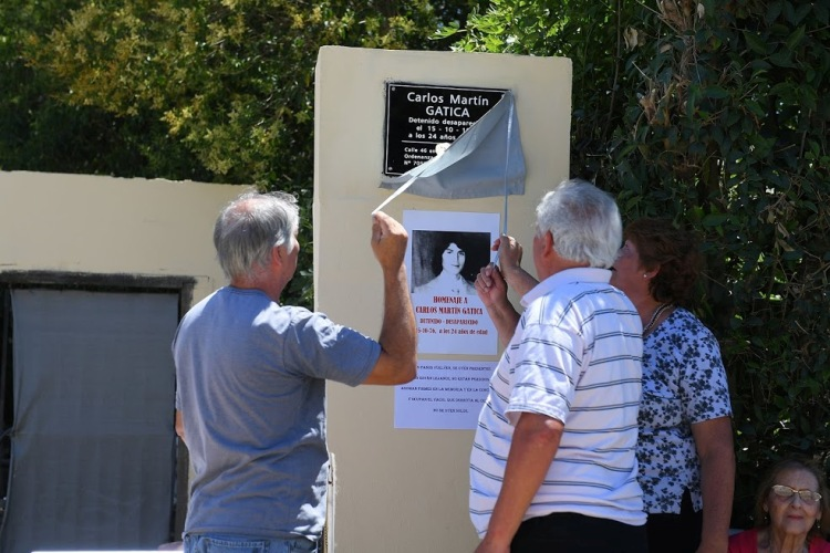 Homenaje: Descubren placa que recuerda a Carlos Martín Gatica