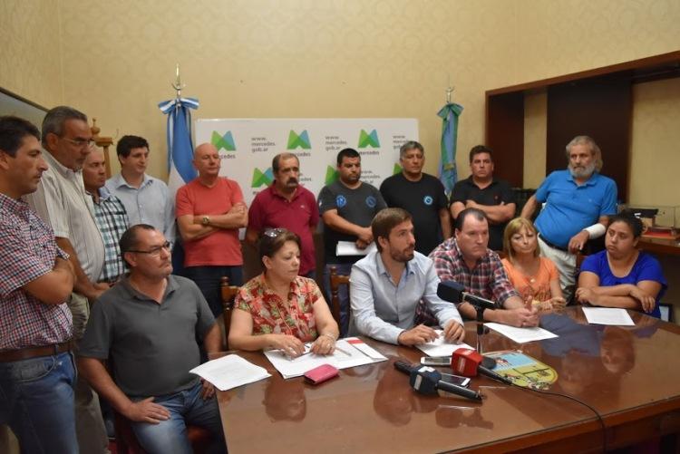 El Jefe Comunal junto a gremios y sindicatos juntarán firmas para derogar la ley de reforma previsional