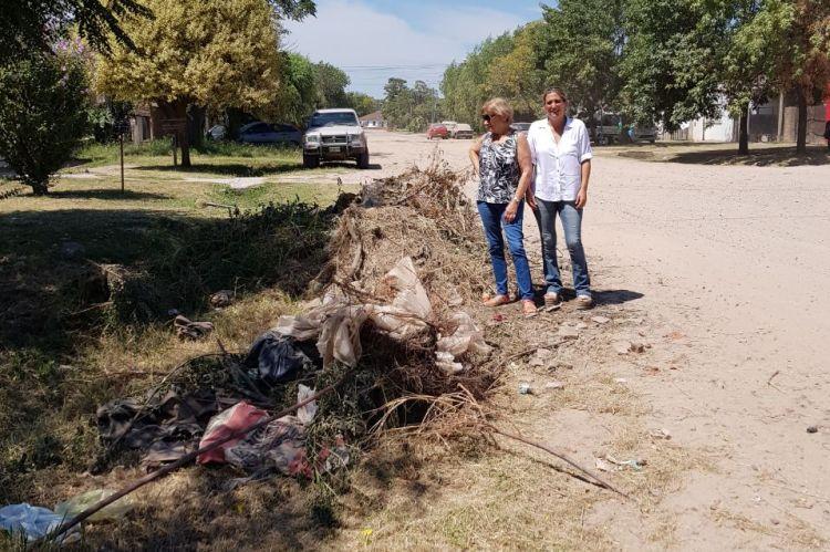 Laporta y Viñales de Cambiemos recorrieron el Barrio San José