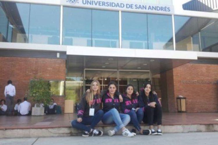 Alumnas de la Técnica 2 en jornada universitaria