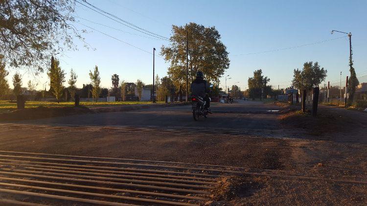 Reabrieron el cruce de calle 15 y vías del Trocha