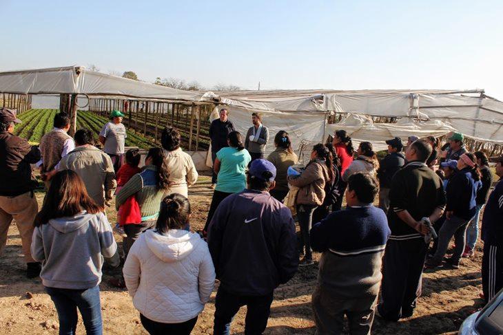 Ustarroz entrega subsidio y avanza en tareas con «Unión de Trabajadores de la Tierra»