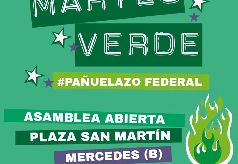 Martes de pañuelazo verde en la plaza San Martín
