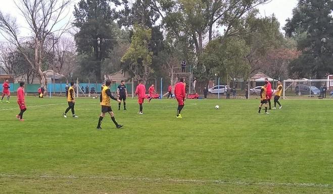 Gol de Minadevino en la victoria de Flandria ante Chacarita