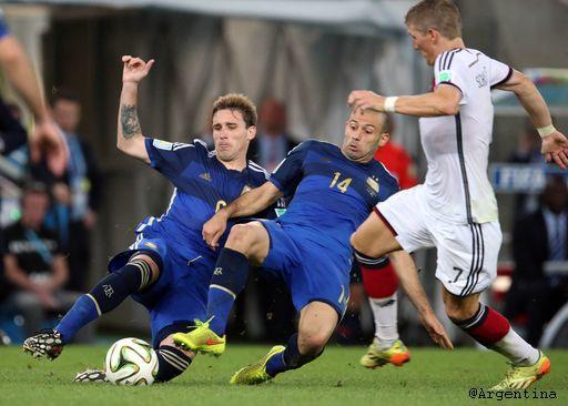 Tras siete años defendiendo la albiceleste, Lucas Biglia se despidió de la Selección