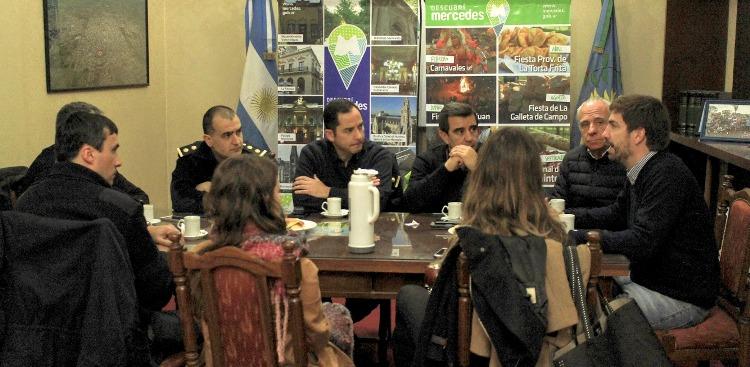 Realizaron mesa de trabajo con las autoridades policiales y del área de seguridad comunal