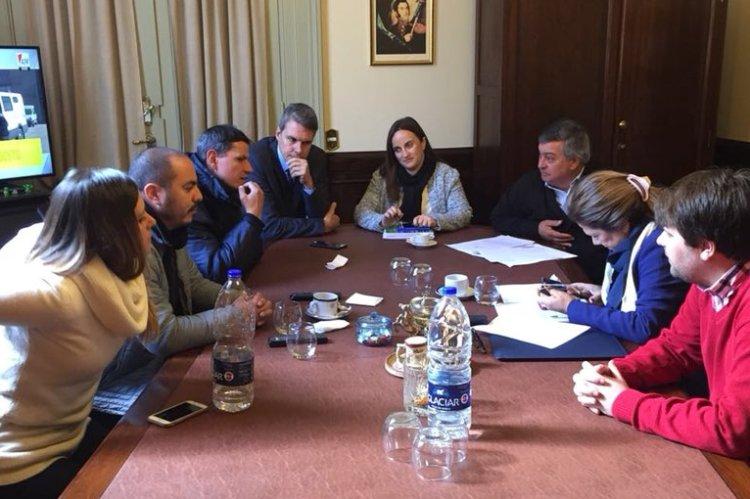 Selva mantuvo reunión con los trabajadores del Astillero Río Santiago