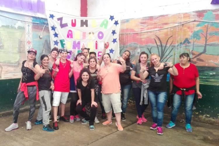 Música y baile en el Anexo Femenino de la Unidad 5