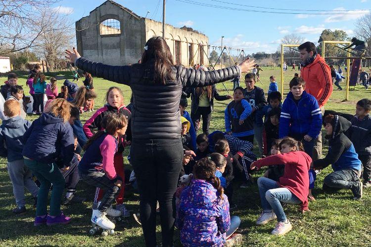 La Juventud Radical celebró el día del niño en Agote