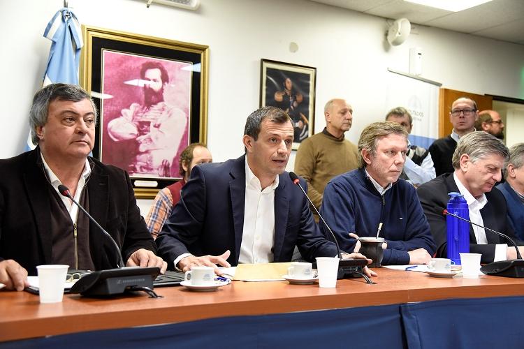 Diputados de Asuntos Municipales reunidos con Intendentes ante la eliminación del Fondo Sojero