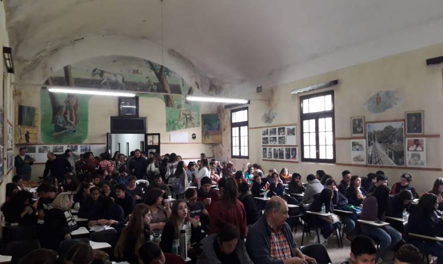 Encuentro del programa «Jóvenes y memoria» en el Centro Universitario Regional
