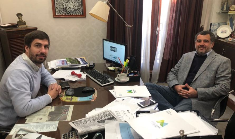 Por Avenida 2 y otras obras Ustarroz se reunió con funcionario provincial Ezequiel Bisso