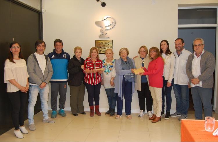 Farmacéuticos entregaron ayuda a Granja Arco Iris y El Honguito