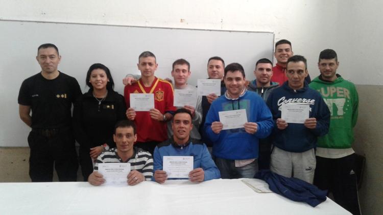 Internos de la Unidad 5 recibieron certificados de capacitación