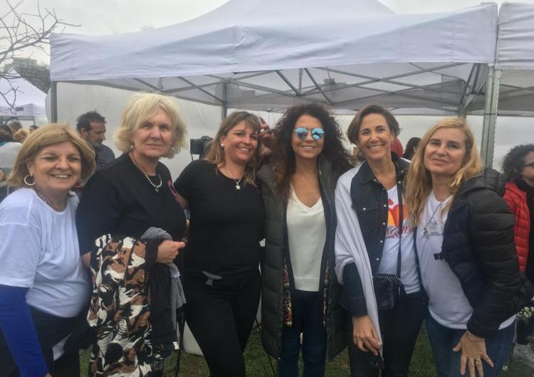 Mechas Solidarias en Vicente López y con apoyo solidario de Patricia Sosa