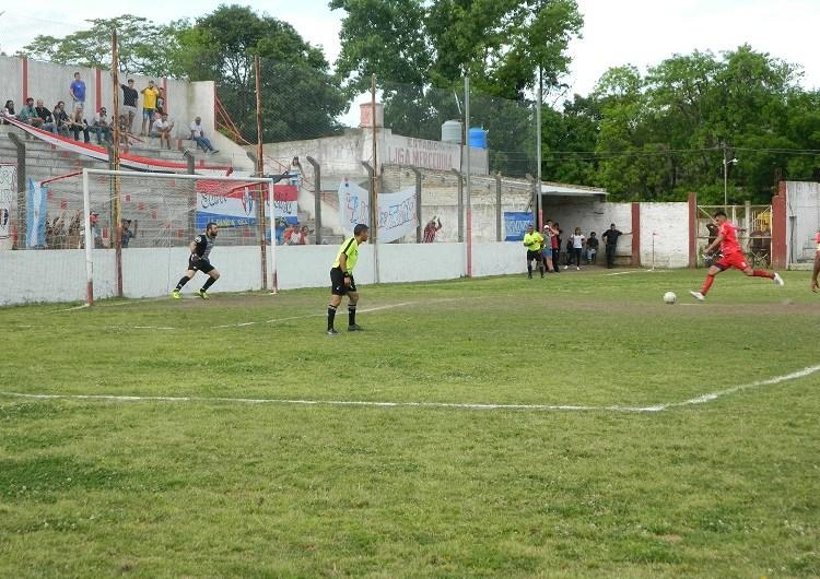 Con una goleada, Trocha es el primer clasificado a la Liguilla