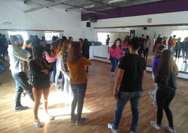 """Estrenan """"Así soy"""", un musical que reúne otros musicales en el Colegio Nacional"""