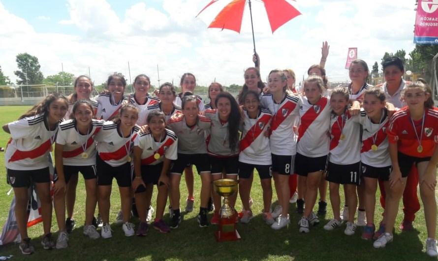 Nazarena Viola y Juana Cángaro, campeonas con la Sub 14 de River Plate